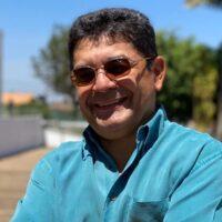 Pastor titular da igreja, administrador, Mestre em Leitura e Ensino da Bíblia, é casado com Adriana Ferreira e pai de Emanuelle Ferreira. Seu ministério enfatiza a exposição da Palavra de Deus em várias partes do Brasil, além de escritor de várias obras publicadas em português.